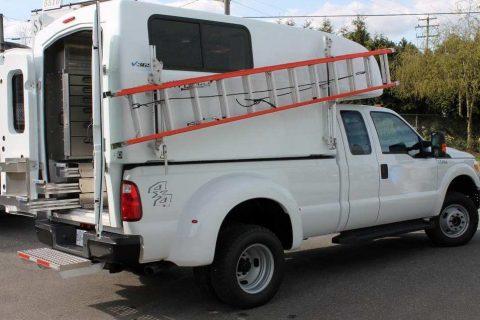 Maranda V365 Full Size Truck Cap on Dually